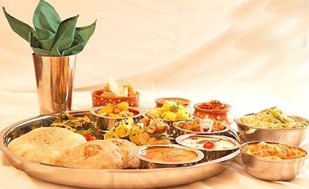 Spice Restaurant - Hotel Golden Haveli