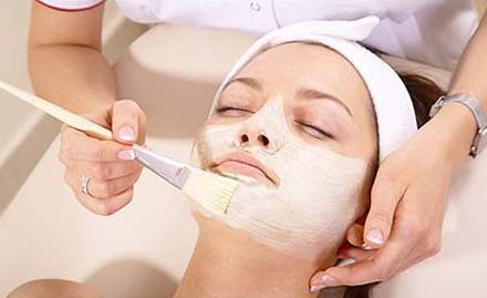 Aakarshan Hair And Beauty Salon